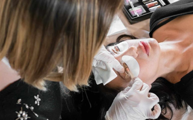 10 Ways To Show Your Lash Clients You Appreciate Them